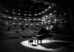 Grand-Piano-on-a-Stage_250X175